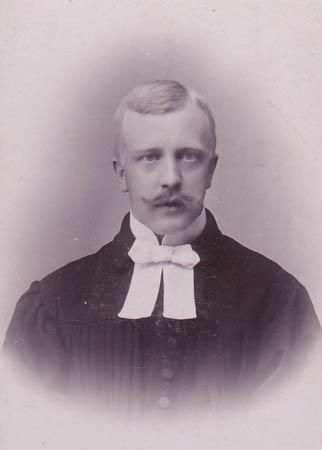 Paucker, Walter Hugo